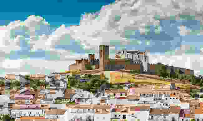 Medieval hilltop castle of Arraiolos in Alentejo (Shutterstock)