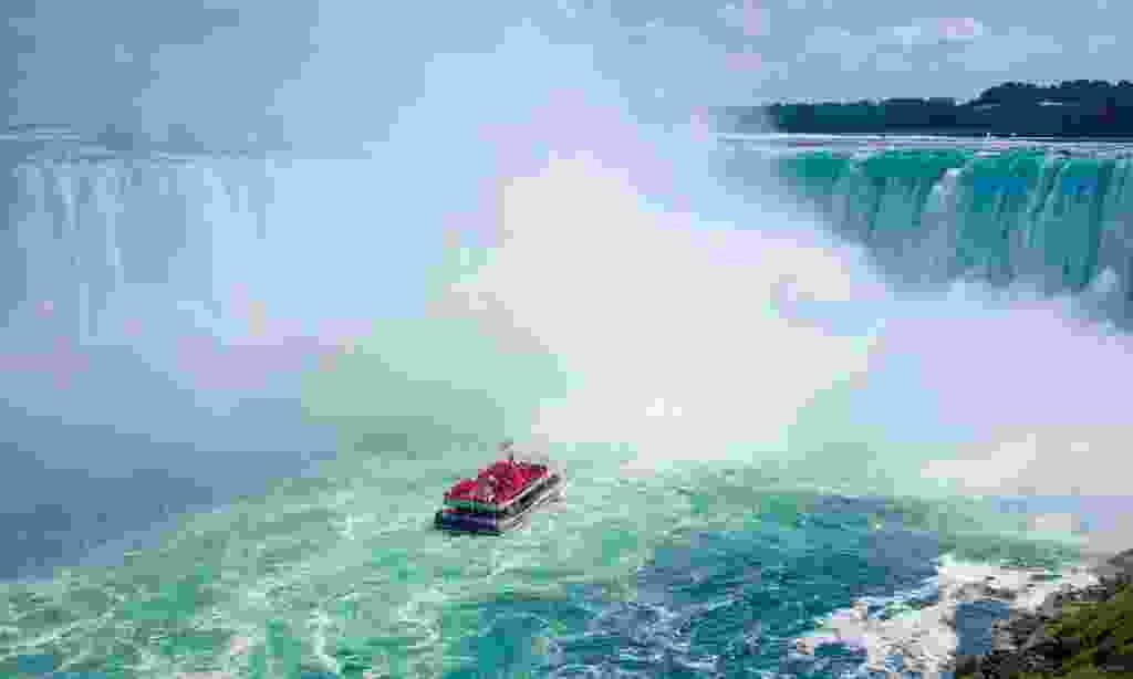 Feel the rush of Niagara Falls (Trailfinders)