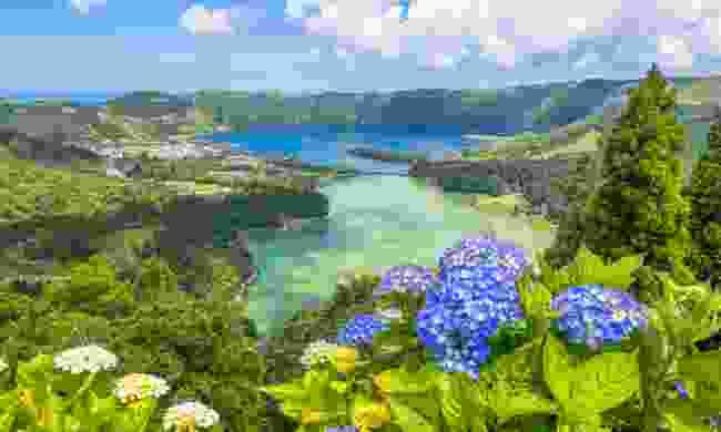 Lagoa das Sete Cidades on São Miguel (Shutterstock)