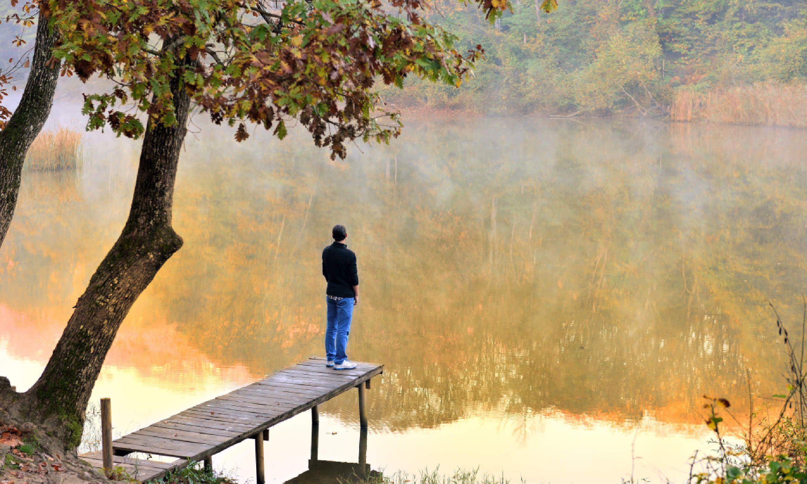 Travelling solo (Shutterstock)