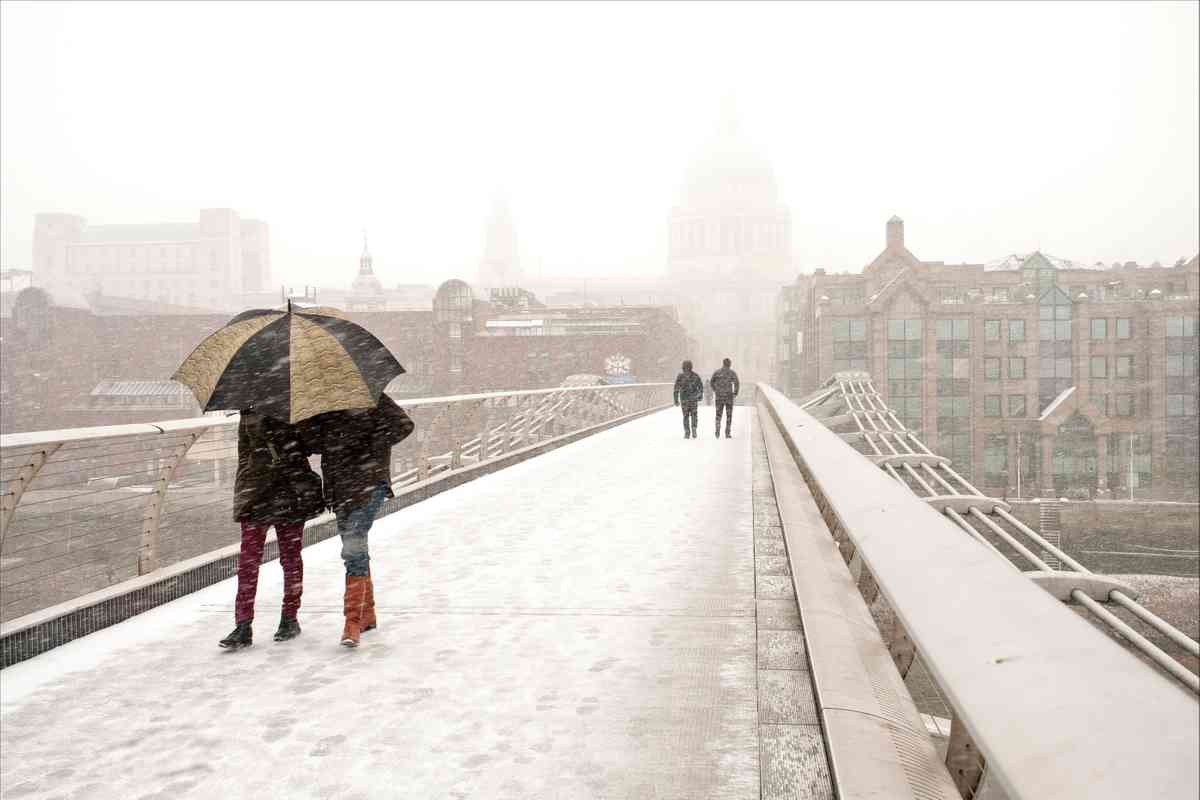 Millennium Bridge under Snow (Ron Tier)
