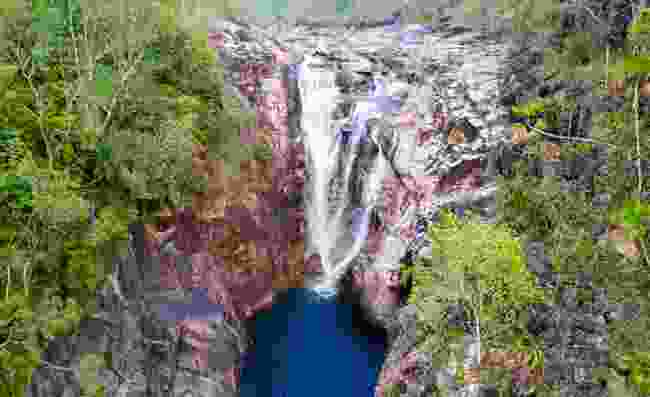 Swim at the bottom of Big Rock Falls (Shutterstock)