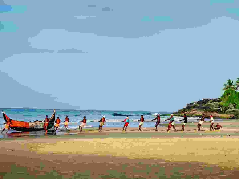 Local fishermen on Kovalam beach (Shutterstock)