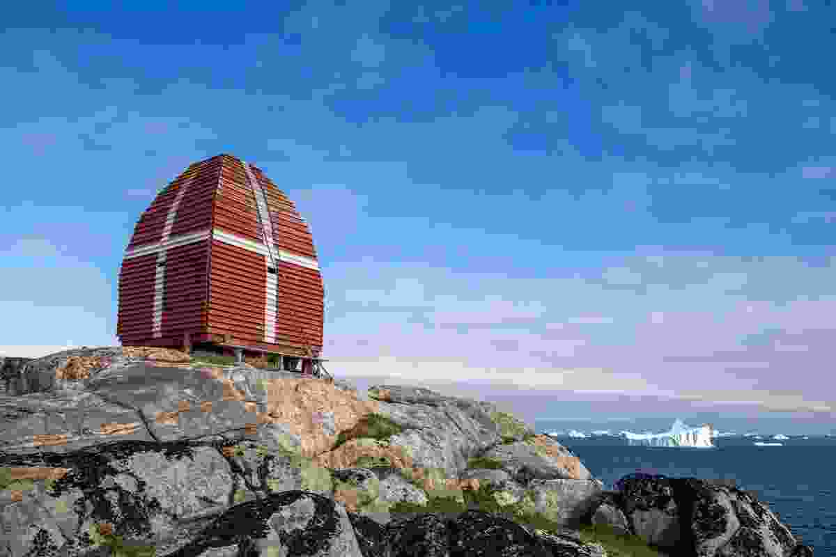 An old, wooden whalewatching tower in Qeqertarsuaq, Greenland (Dreamstime)