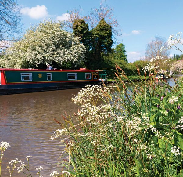 Top Tip: Don't refer to a narrowboat as a barge. A barge is bigger and wider and built to carry cargo.