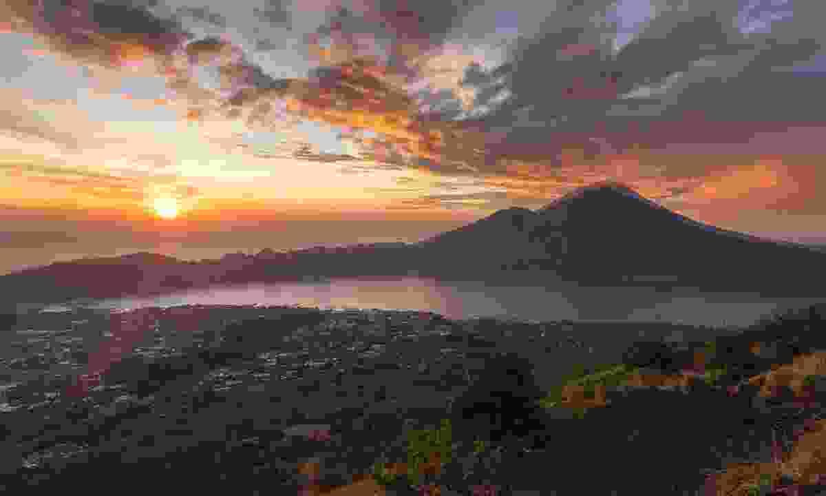 The sunset from Mount Batur (Shutterstock)