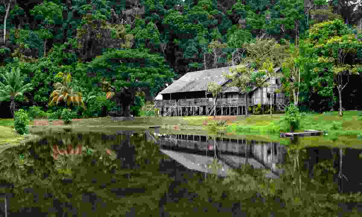 Longhouse in Borneo (Dreamstime)