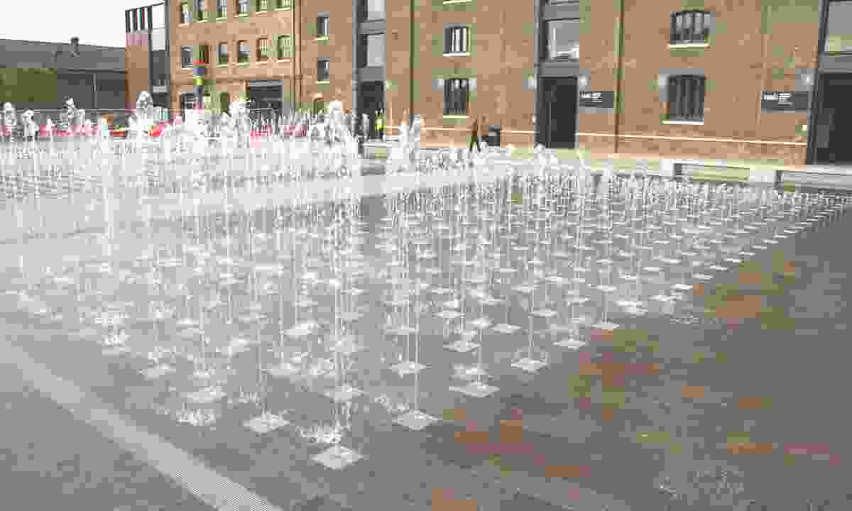Water jets at Granary Square (Creative Commons: Mike Peel)