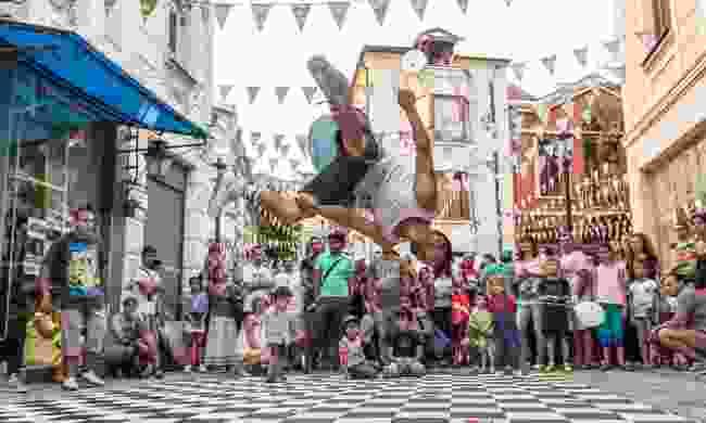 Street festival in Kapana (Shutterstock)