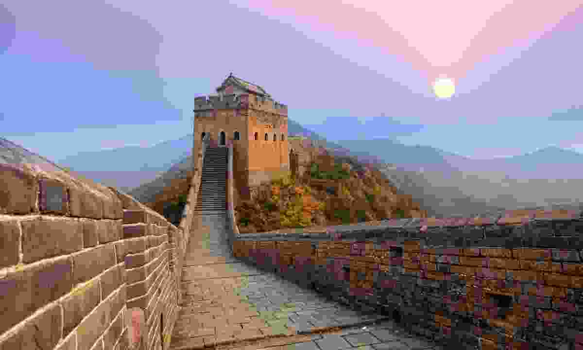 The Great Wall of China at sunrise (Shutterstock)