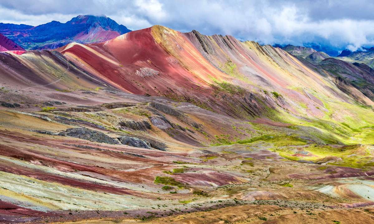 Rainbow mountains (Dreamstime)