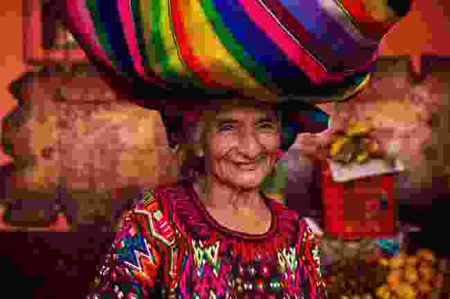 Colourfully dressed Guatemalan woman (Mihaela Noroc)