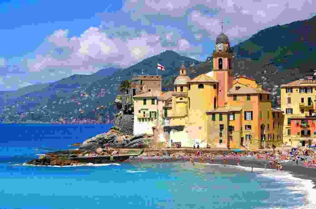The gorgeous coastline of Camogli, in La Spezia, Italy (Shutterstock)