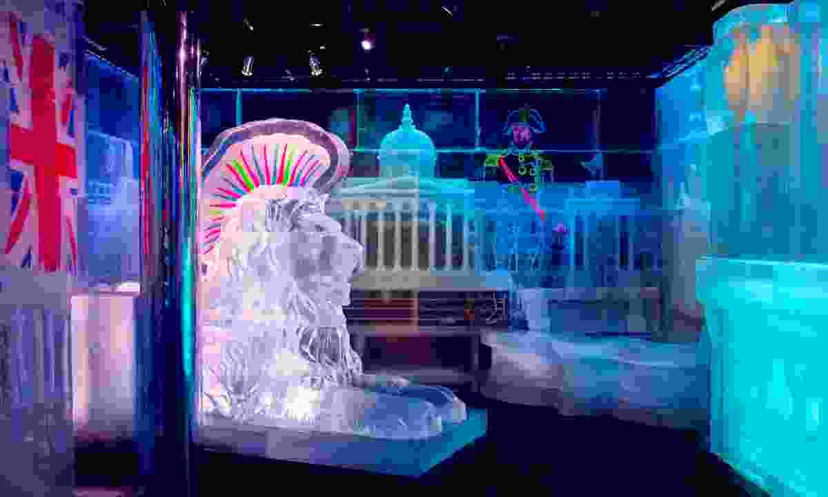 Below Zero Ice Bar sculptures (Below Zero Ice Bar)