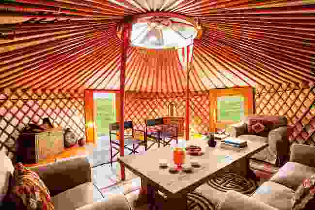 Inside the lodge (Nomadic Expeditions, Michael Kleinberg)