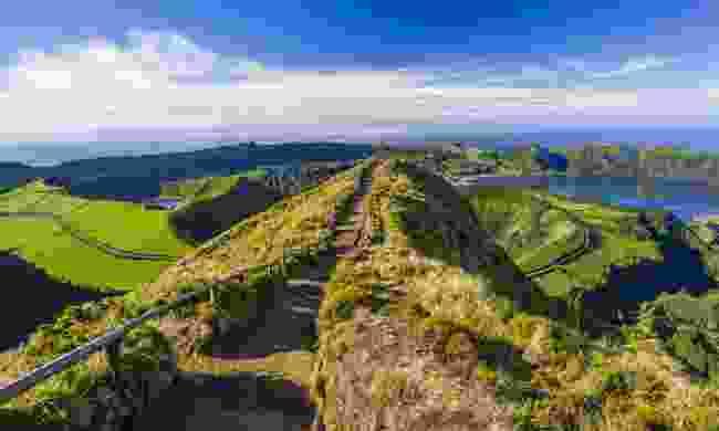The walking path from Miradouro da Boca do Inferno to Sete Citades (Shutterstock)