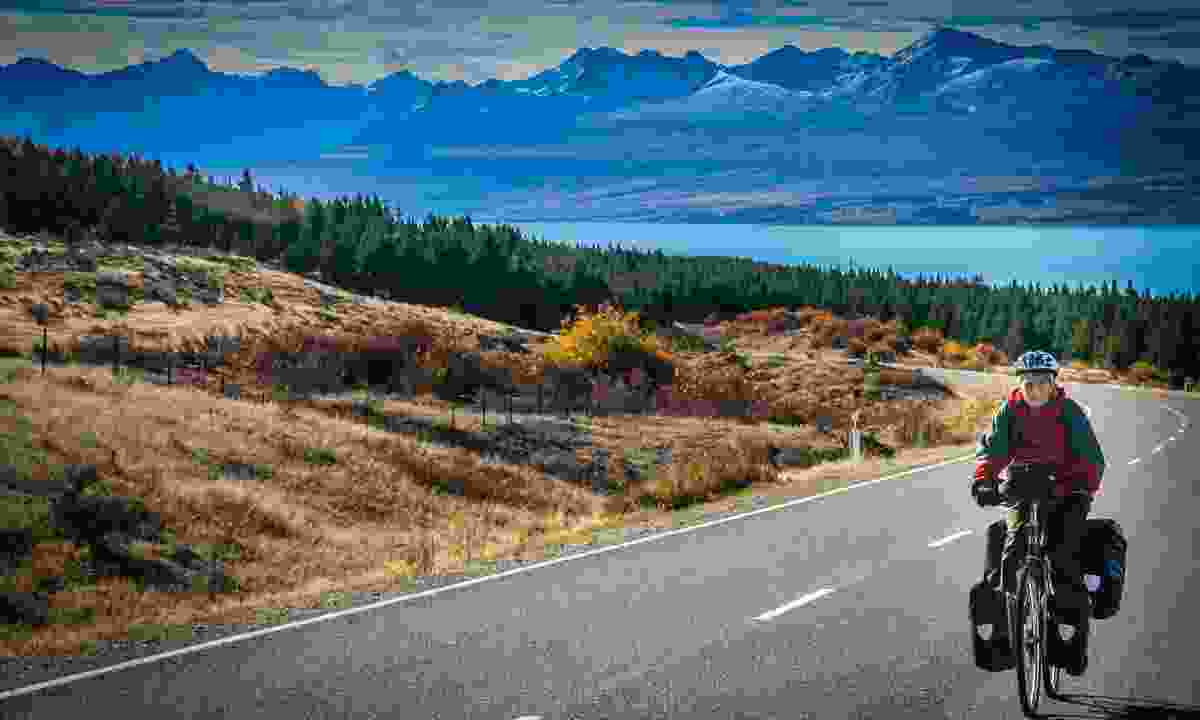 Cycling in New Zealand (Dreamstime)
