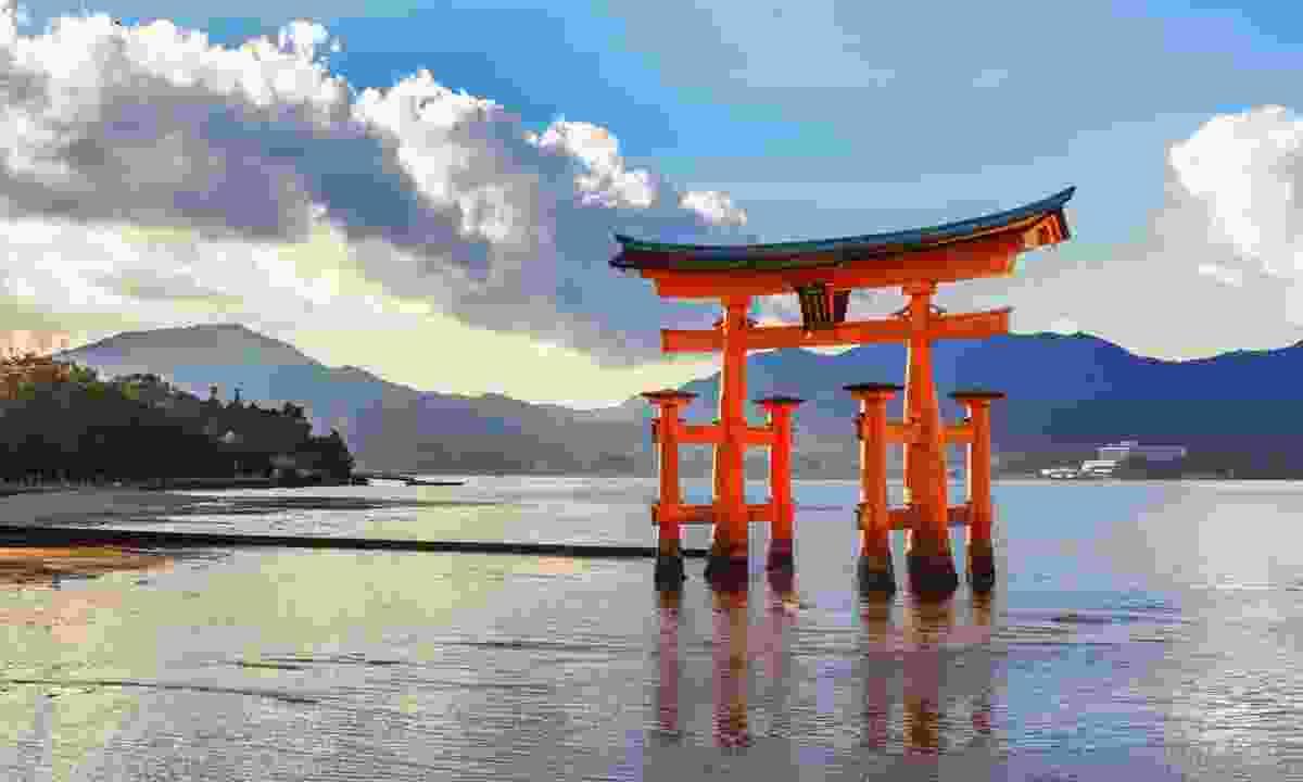 Great floating gate (O-Torii) on Miyajima island (Shutterstock)