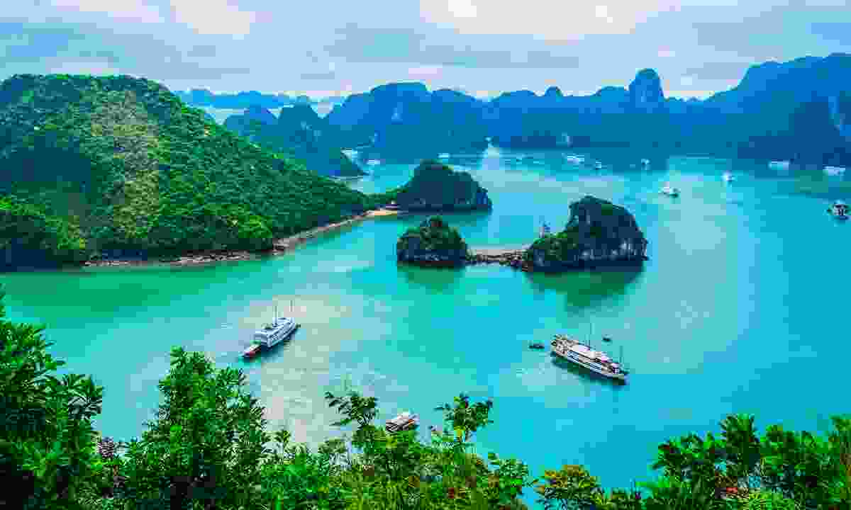 Beautiful Halong Bay (Shutterstock)