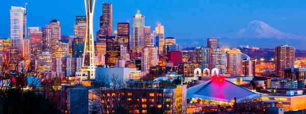 Seattle at dusk (Dreamstime)