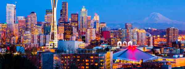 Seattle at dusk (Dreamstime)