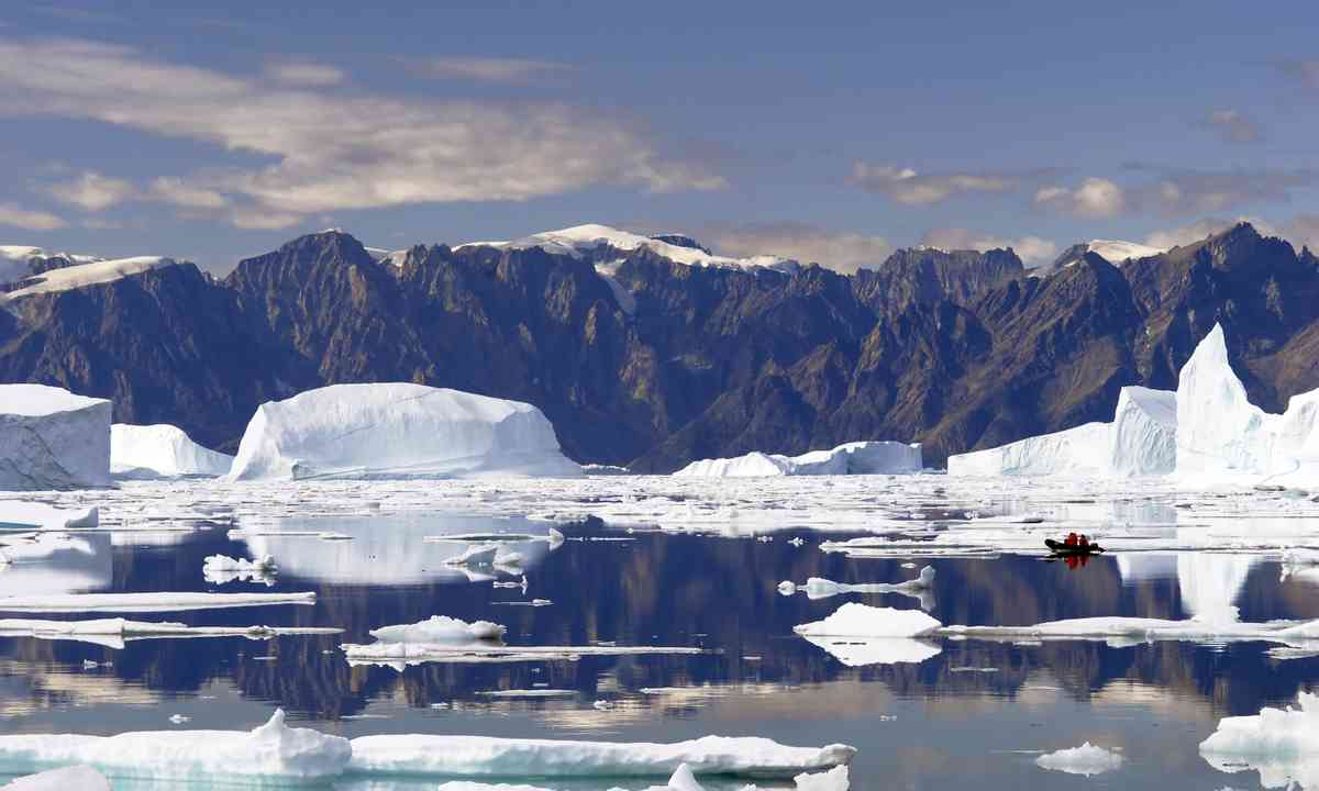 Icebergs in north east Greenland (Dreamstime)