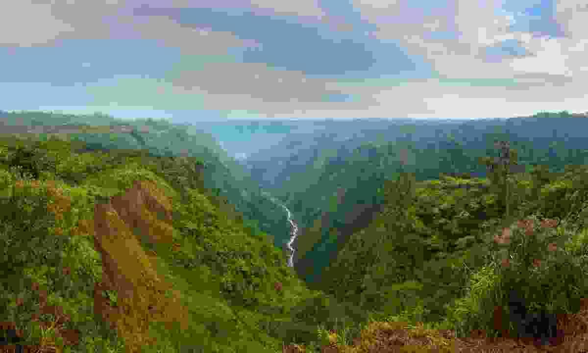 Visit Poás Volcano National Park (Shutterstock)