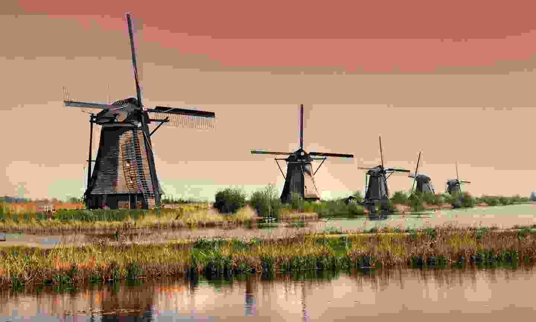 The historic windmills of Kinderdijk (Dreamstime)