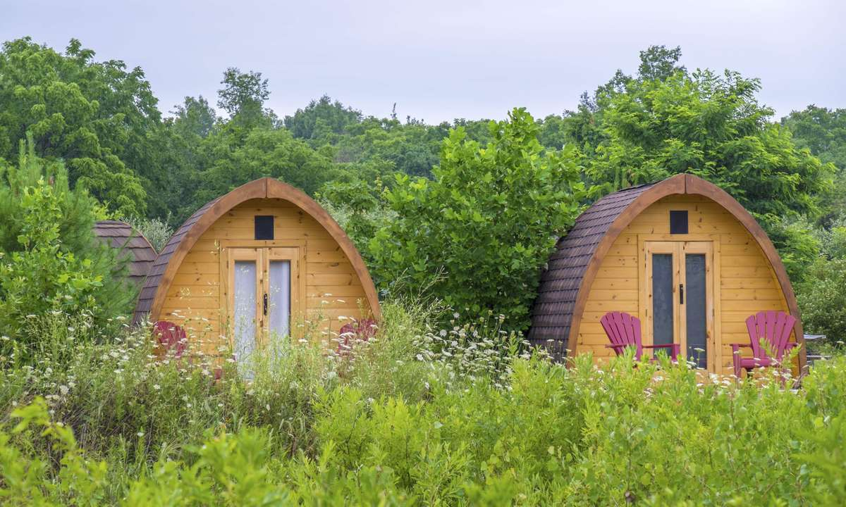 Glamping huts (Dreamstime)