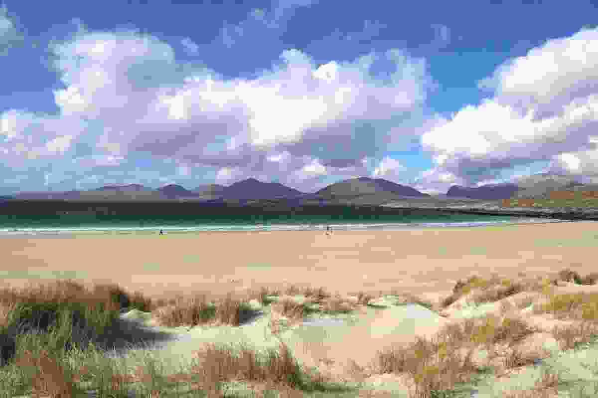 Walkers on Luskentyre beach (Graeme Green)