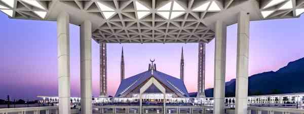 Shah Faisal Mosque (Shutterstock)