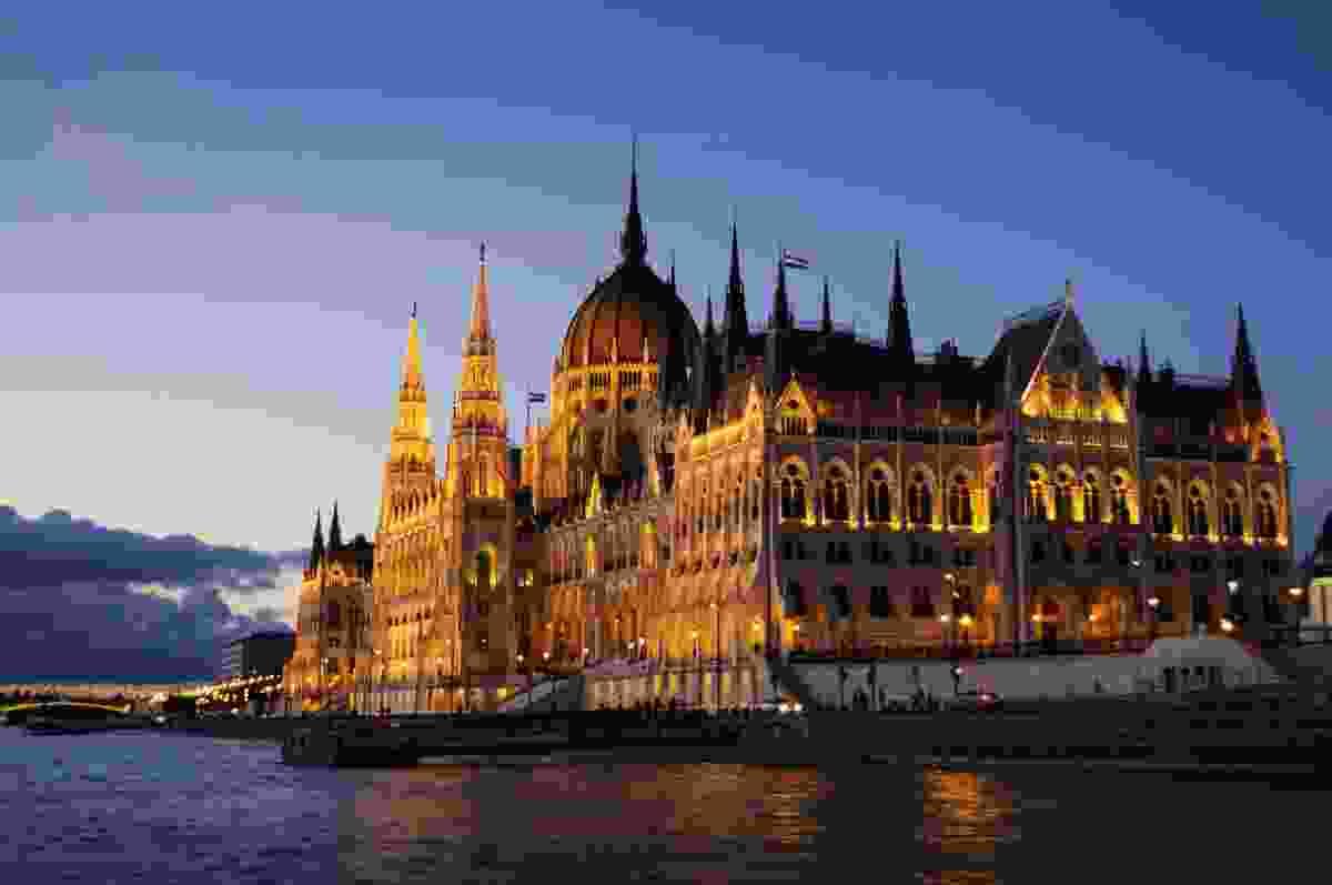 Hungarian Parliament at dusk (Dreamstime)