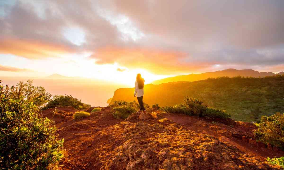 Mountain sunrise on La Gomera (Dreamstime)
