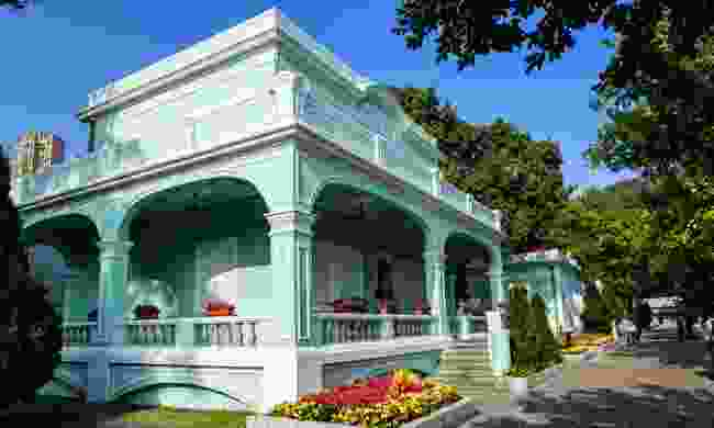 The bright, colourful Portuguese-style mansions of Taipa speak to its European past (Dreamstime)