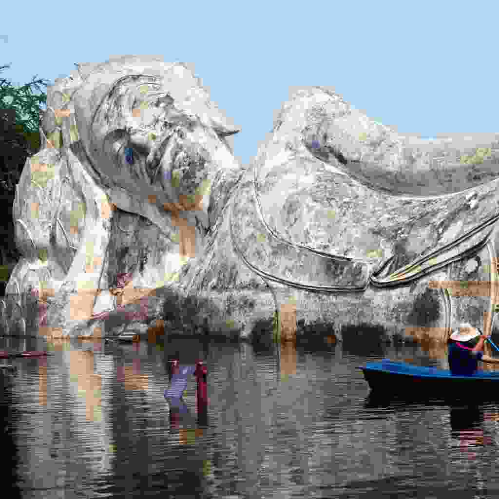 See Ayuttaya from the water on a converted rice barge (Shutterstock)