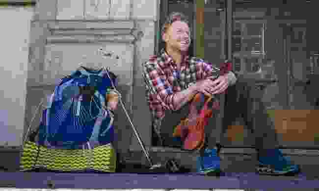 Alastair and his beloved violin (Alastair Humphreys)