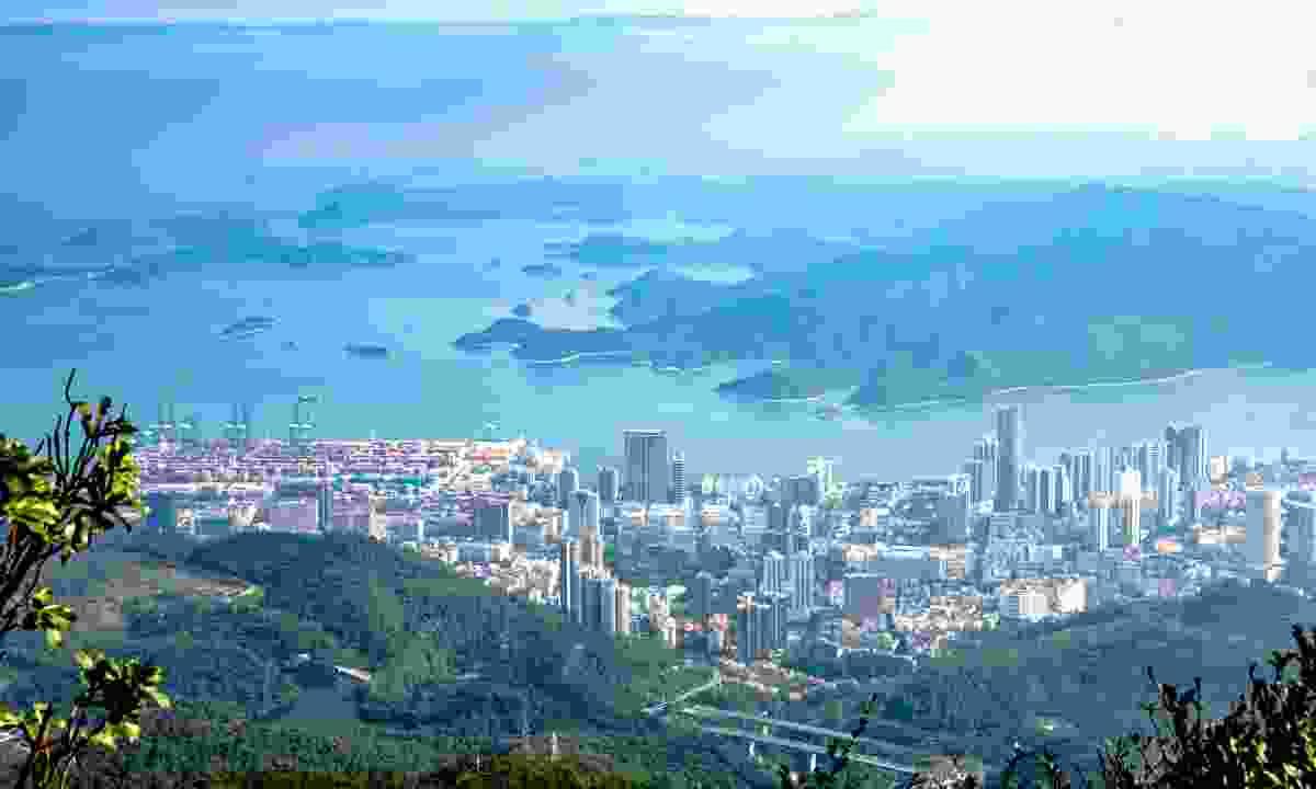The view from Wutong Mountain, Shenzhen (Shutterstock)