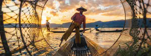 Inle Lake Intha fishermen at sunset (Shutterstock)