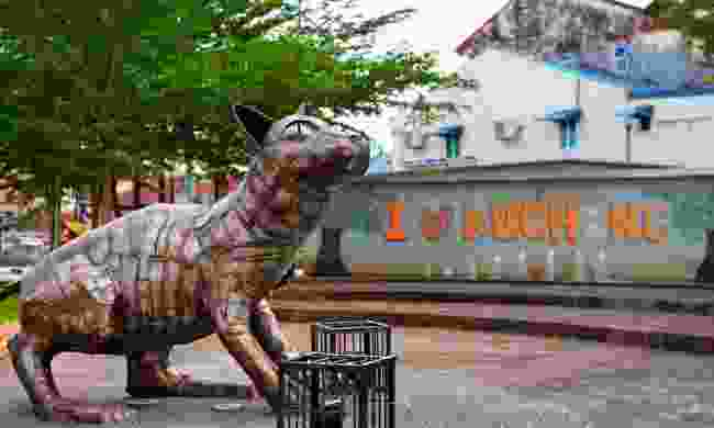 Cat statue in Kuching. (Dreamstime)