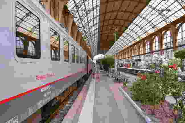 Nice-Moscow Express in the station in France (Shutterstock)