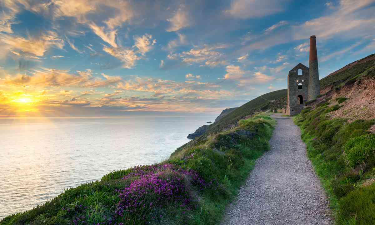 Cornish coastline near St Agnes (Dreamstime)