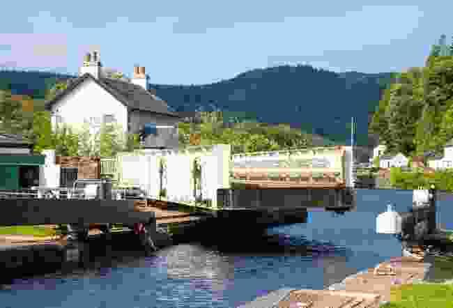 Crinan Canal (Shutterstock)