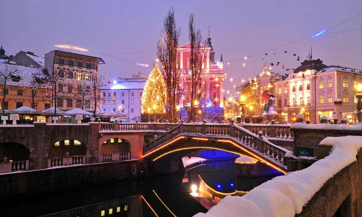 Christmas lights in Ljubljana city centre (Dreamstime)