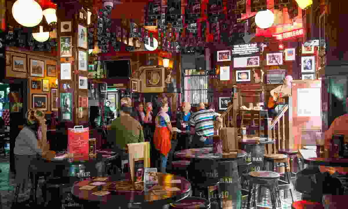 Inside an authentic Irish pub in Dublin (Shutterstock)