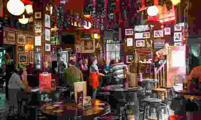 Inside an authentic Irish pub in Dublin (Shutterstock)