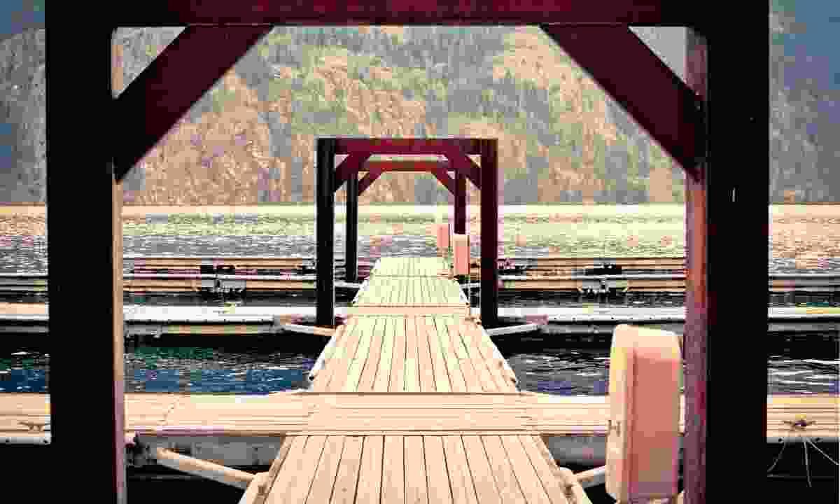 Stehekin Pier (Shutterstock)