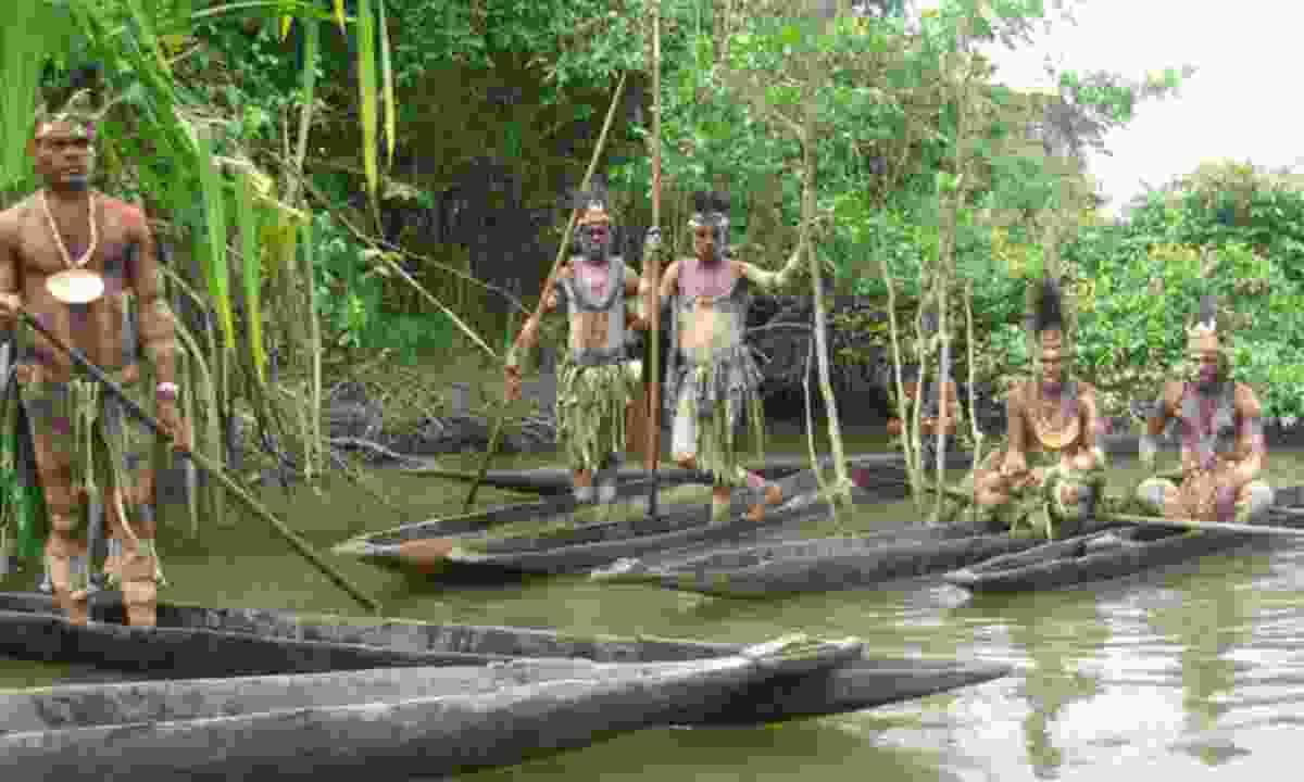 Inhabitants on the Sepik River (PNGTPA)