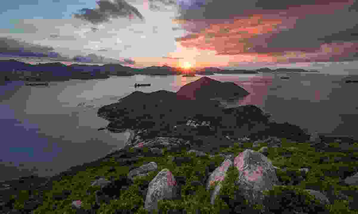 Sunset over Lamma Island (Kelvin Yuen)