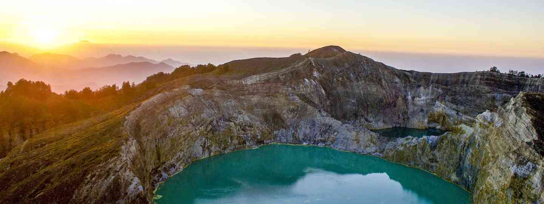 Kelimutu volcano, Flores, Indonesia (Dreamstime)