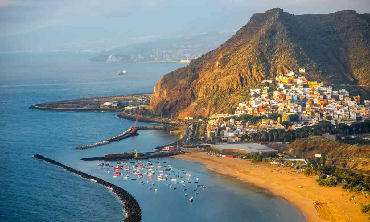 Santa Cruz de Tenerife (Shutterstock)
